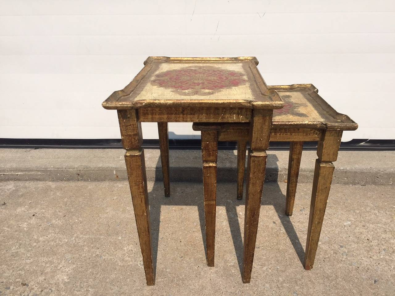 Early 1900s Italian Gilt Nesting Tables, Polychromed In Excellent Condition For Sale In Southampton, NY