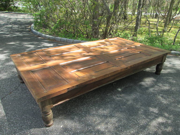English Grand Mahogany Coffee Table For Sale