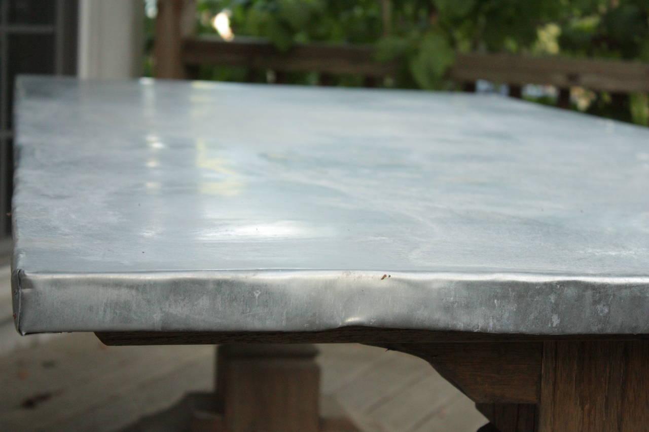 Charmant Rustic Zinc Wrapped Belgian Oak Farmhouse Table For Sale