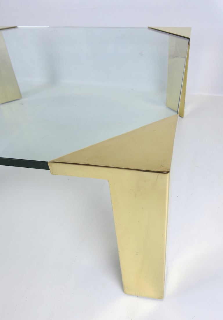 Large Brass Cornered Cocktail Table In Good Condition For Sale In San Leandro, CA
