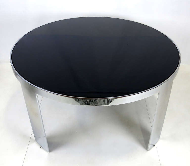 Large-Scale Polished Nickel Dining Table by Pace In Good Condition For Sale In San Leandro, CA