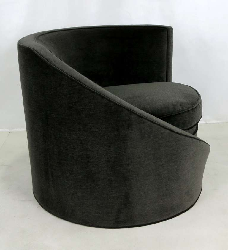 Pair of Spiral Lounge Chairs In Excellent Condition For Sale In San Leandro, CA
