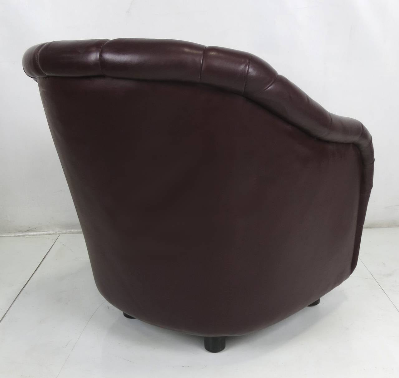 American Pair of Oxblood Leather Club Chairs by Ward Bennett for Brickel For Sale