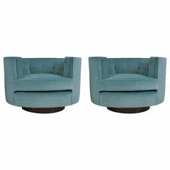 Pair of Oval Swivel Lounge Chairs by Milo Baughman