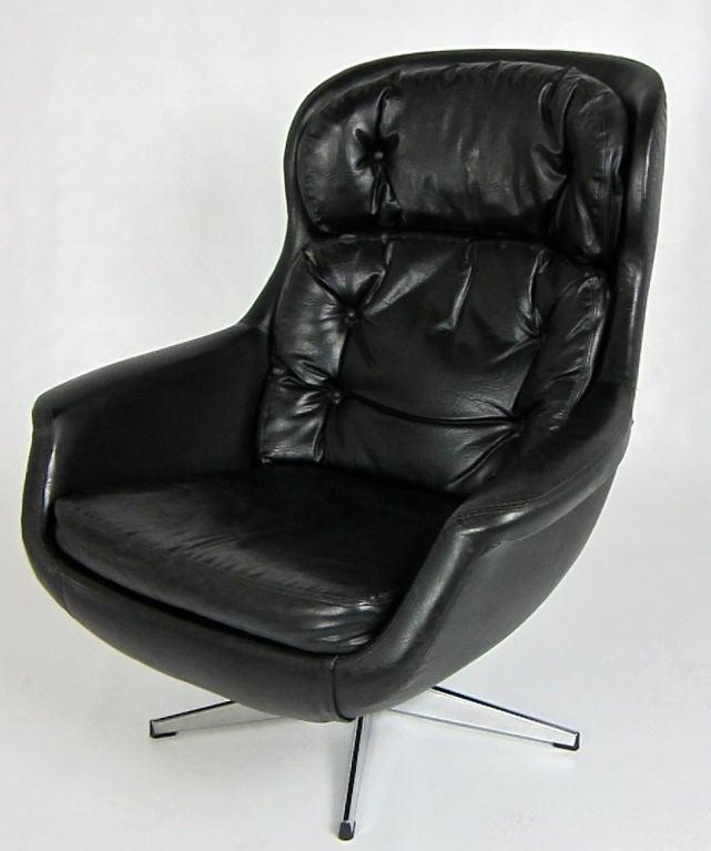 Selig Egg Chair With Chrome Base At 1stdibs