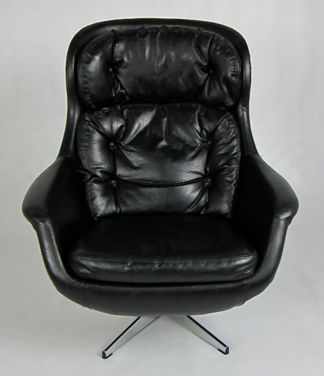 Selig Egg Chair With Chrome Base At 1stdibs