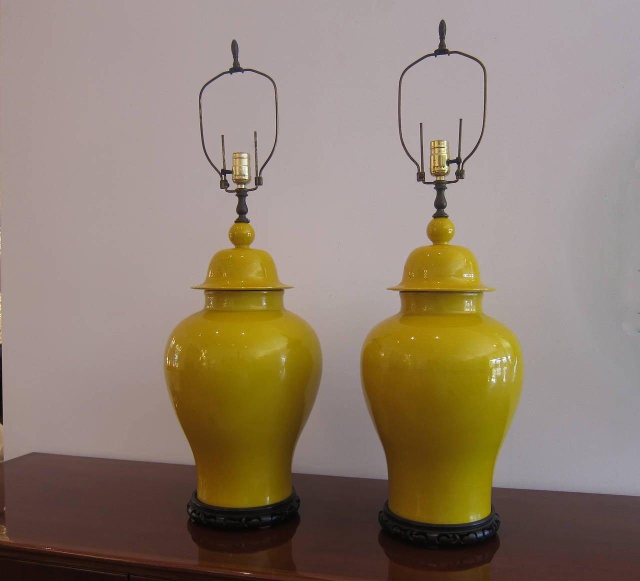 Pair Of Ginger Jar Ceramic Lamps At 1stdibs