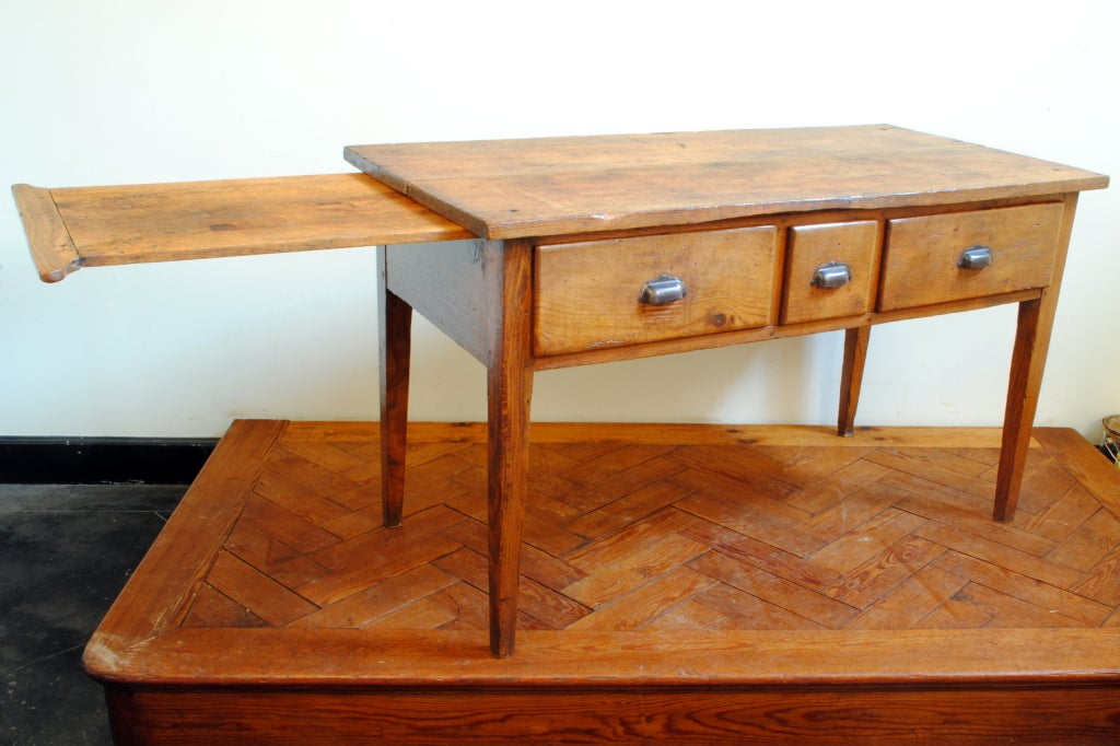 French 19th Century Expandable Pinewood Kitchen Table image 4