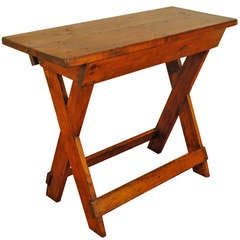 American Early 19th Century Pinewood Sawbuck Table