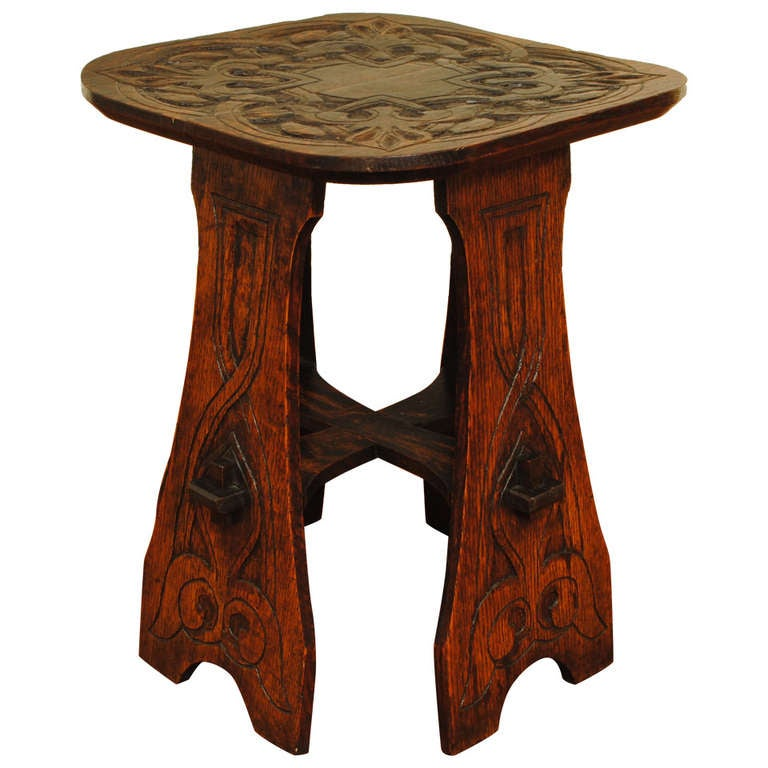 An american arts and crafts oak side table at 1stdibs for Arts and crafts side table