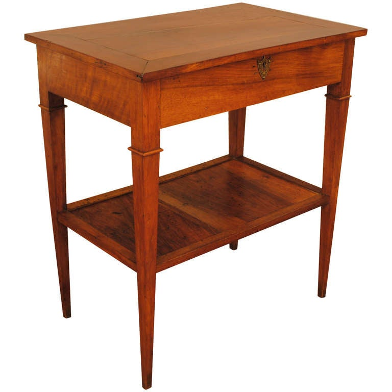 Hinged top dressing table with bottom tier french for Table th bottom