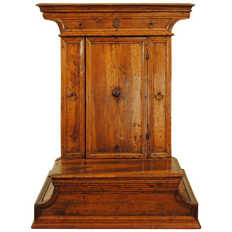 Italian Baroque Walnut Inginocchiatoio Cabinet with Curved Plinth Base 17th Cent For Sale