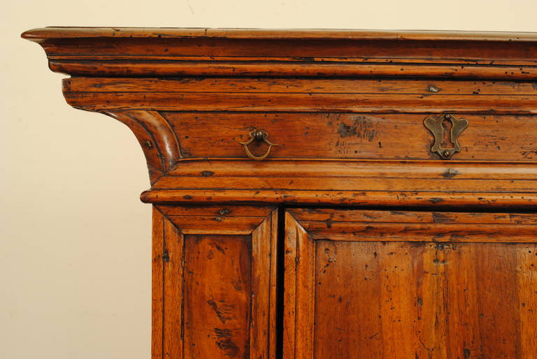 Brass Italian Baroque Walnut Inginocchiatoio Cabinet with Curved Plinth Base 17th Cent For Sale
