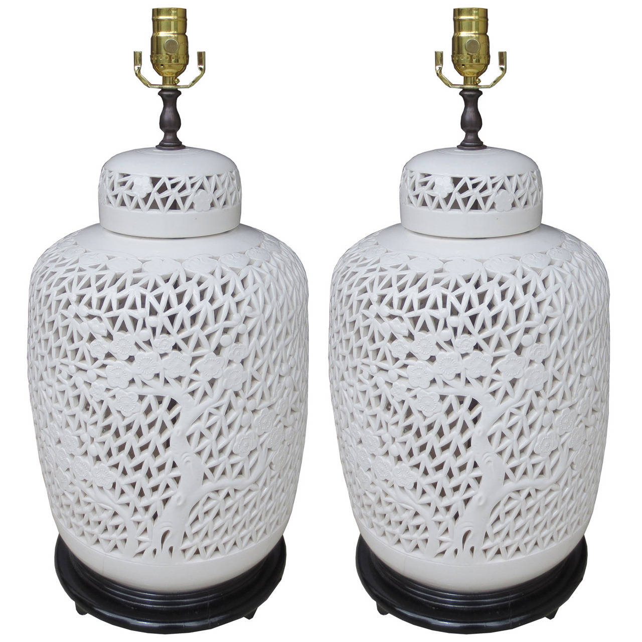 Pair of 1940s chinese white porcelain reticulated lamps at 1stdibs pair of 1940s chinese white porcelain reticulated lamps 1 geotapseo Images