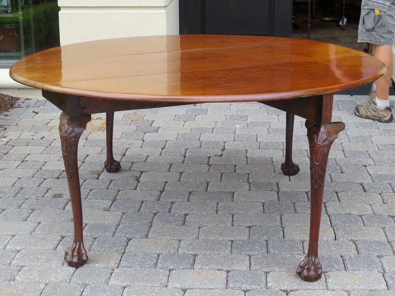 English 18th-19th Century George II Mahogany Cabriole Drop-Leaf Table For Sale