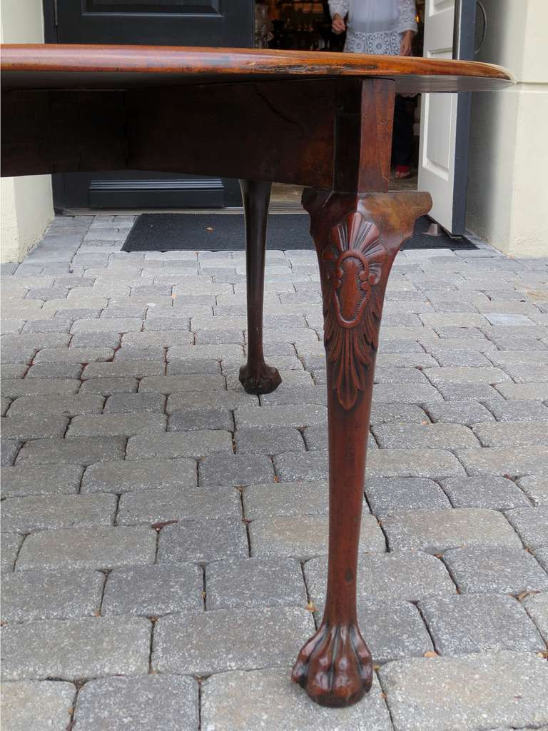 18th-19th Century George II Mahogany Cabriole Drop-Leaf Table For Sale 1