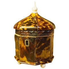 Pressed  Tortoiseshell Tea Caddy with Ivory Finial Early 19th Century