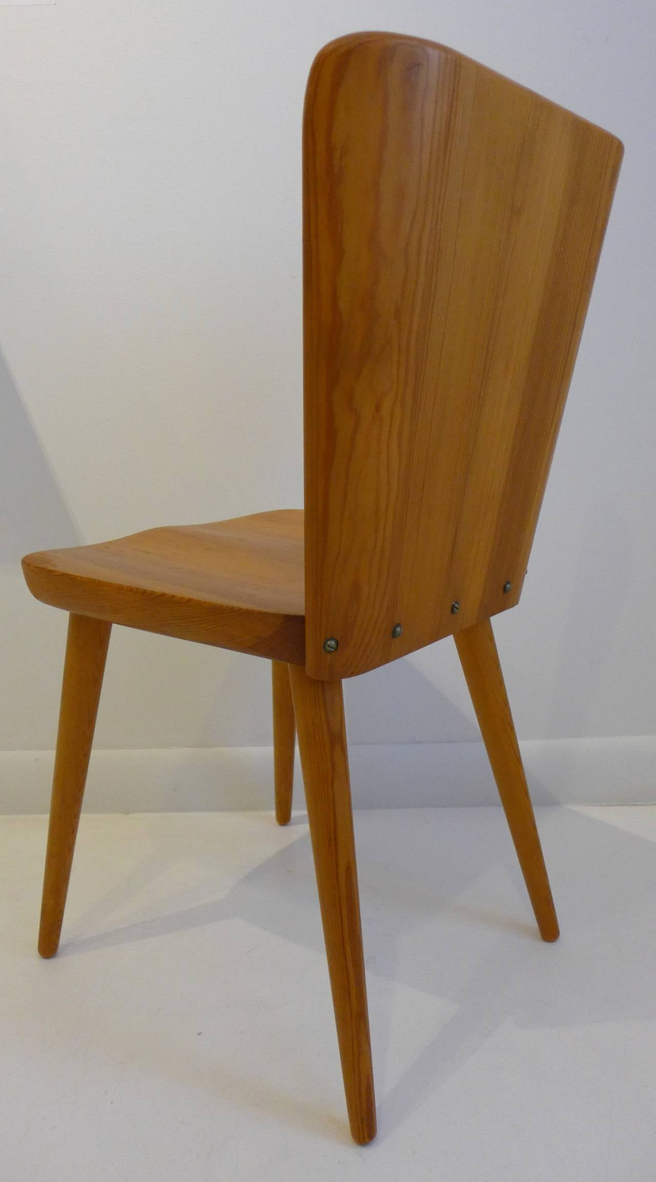 Scandinavian Modern Pair Of Mid Century Swedish Chairs In Pine For Sale