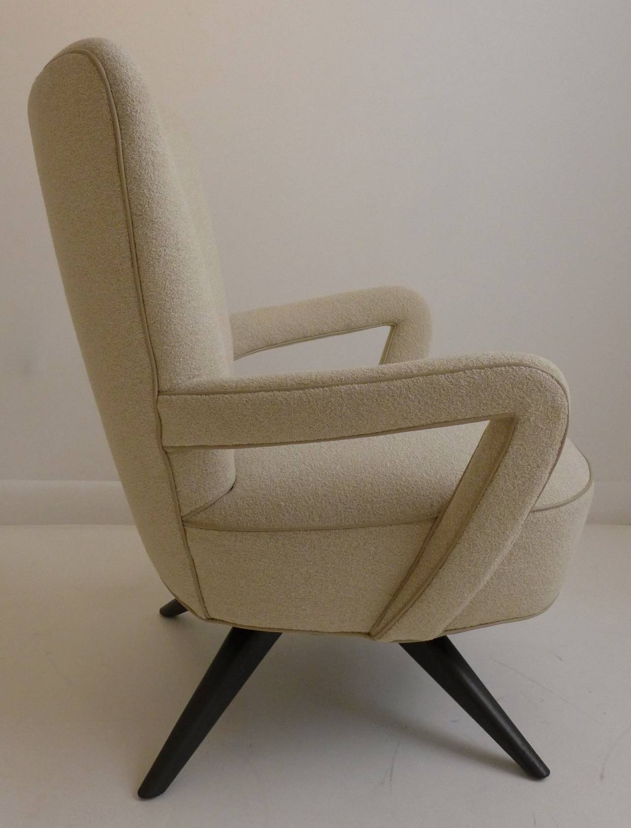 Mid-20th Century Pair of Armchairs For Sale