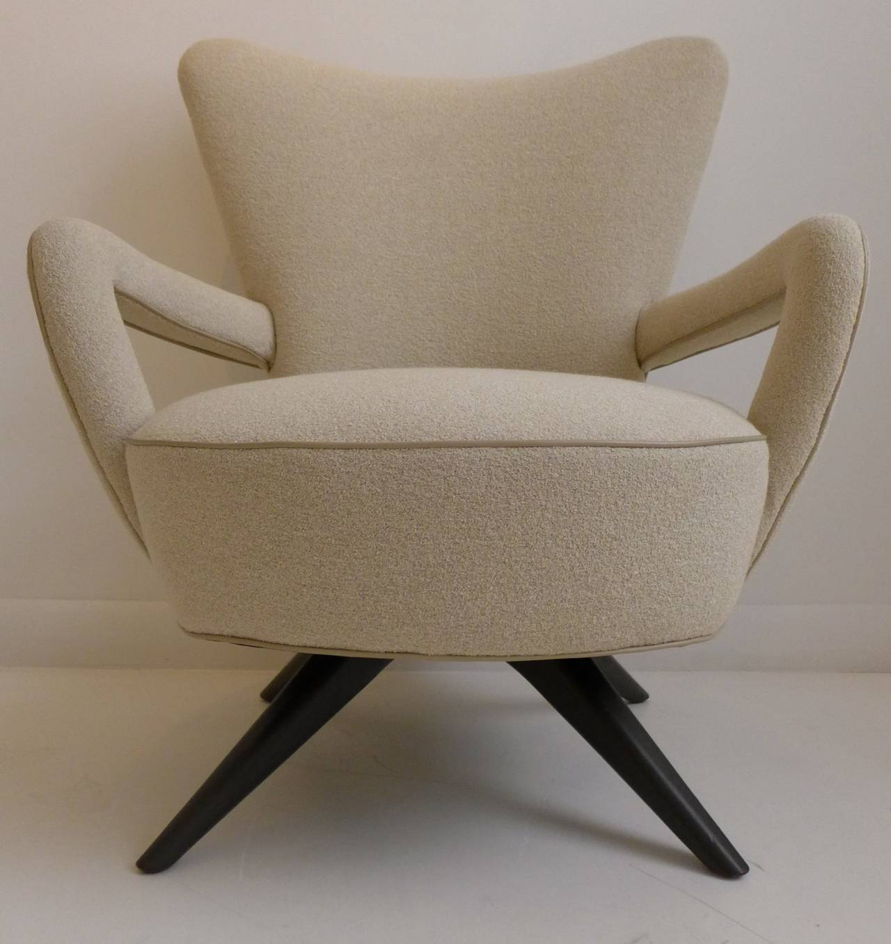 Pair of Armchairs In Good Condition For Sale In New York, NY