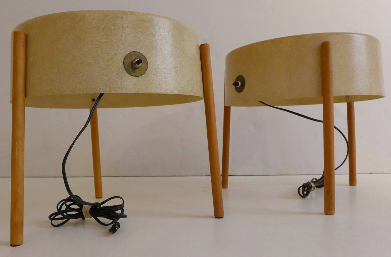 Pair of table lamps (or lamp-tables) in molded fiberglass with birch legs by Bill Lam, an MIT-trained architect and designer who operated his own design workshop in Boston in the early 1950s. Bill Lam's designs were specified for California Case