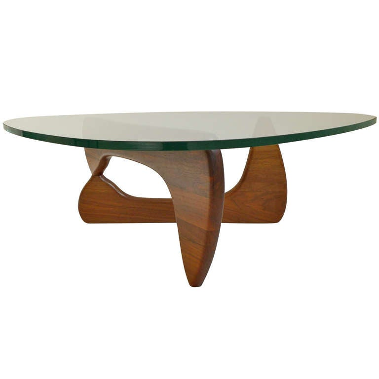 vintage noguchi table in walnut at 1stdibs. Black Bedroom Furniture Sets. Home Design Ideas