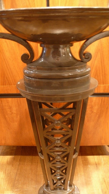 Mid-20th Century Pair of Tall, Neoclassic Cast-Iron Columns For Sale