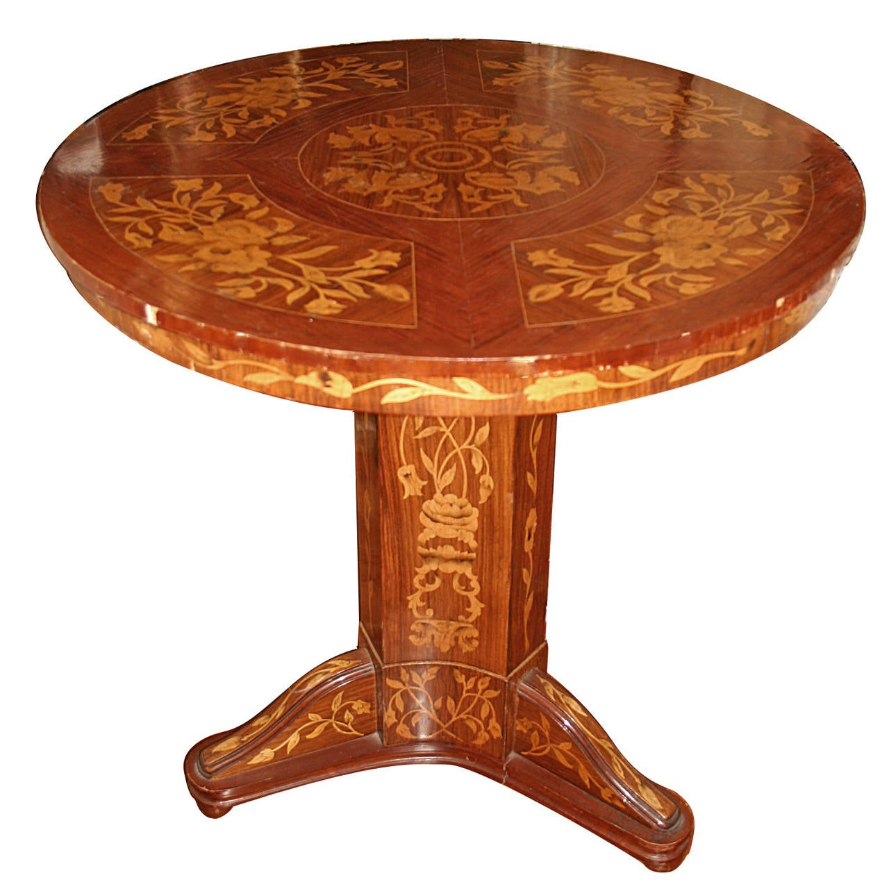 round marquetry top table for sale at 1stdibs. Black Bedroom Furniture Sets. Home Design Ideas
