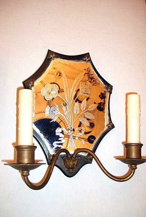 Pair of Mirrored Sconces In Good Condition For Sale In New York, NY
