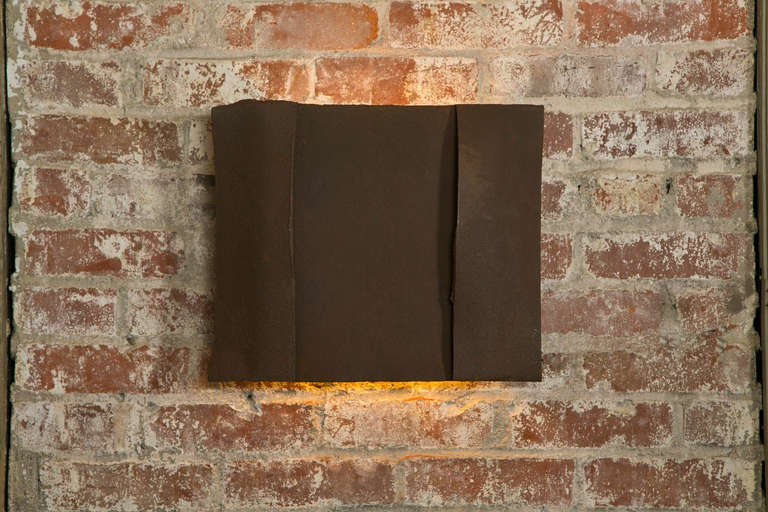 Sculptural Steel Wall Art Sconce Lamp, Light In Excellent Condition For Sale In Oakville, CT