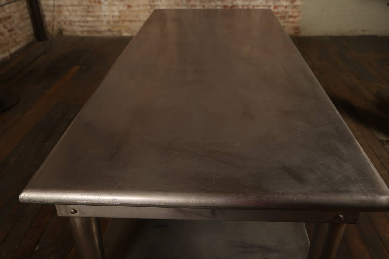 Vintage Stainless Steel Kitchen Table In Good Condition In Oakville, CT