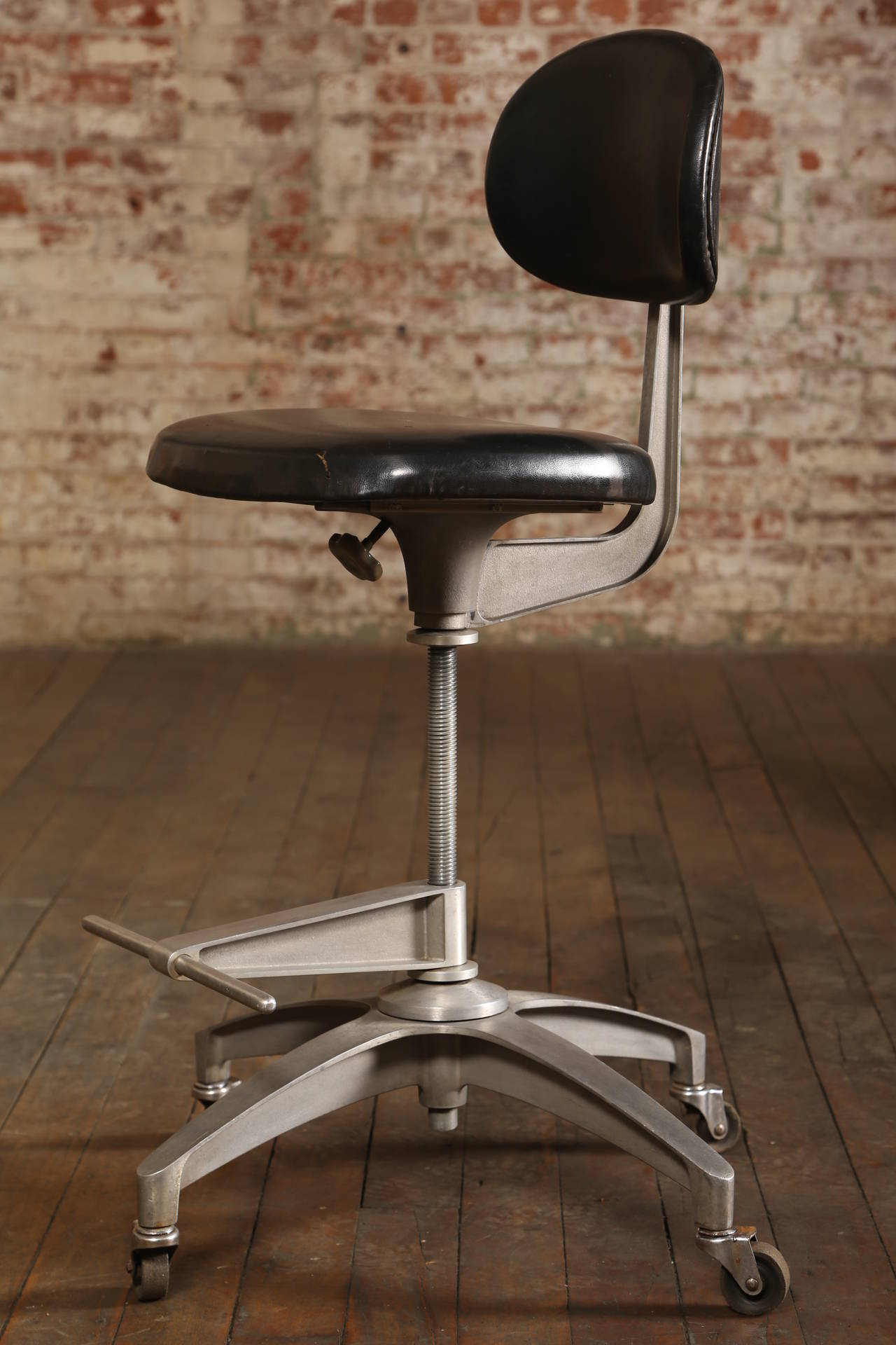 Adjustable Rolling Stool With Back Pneumatic Rolling