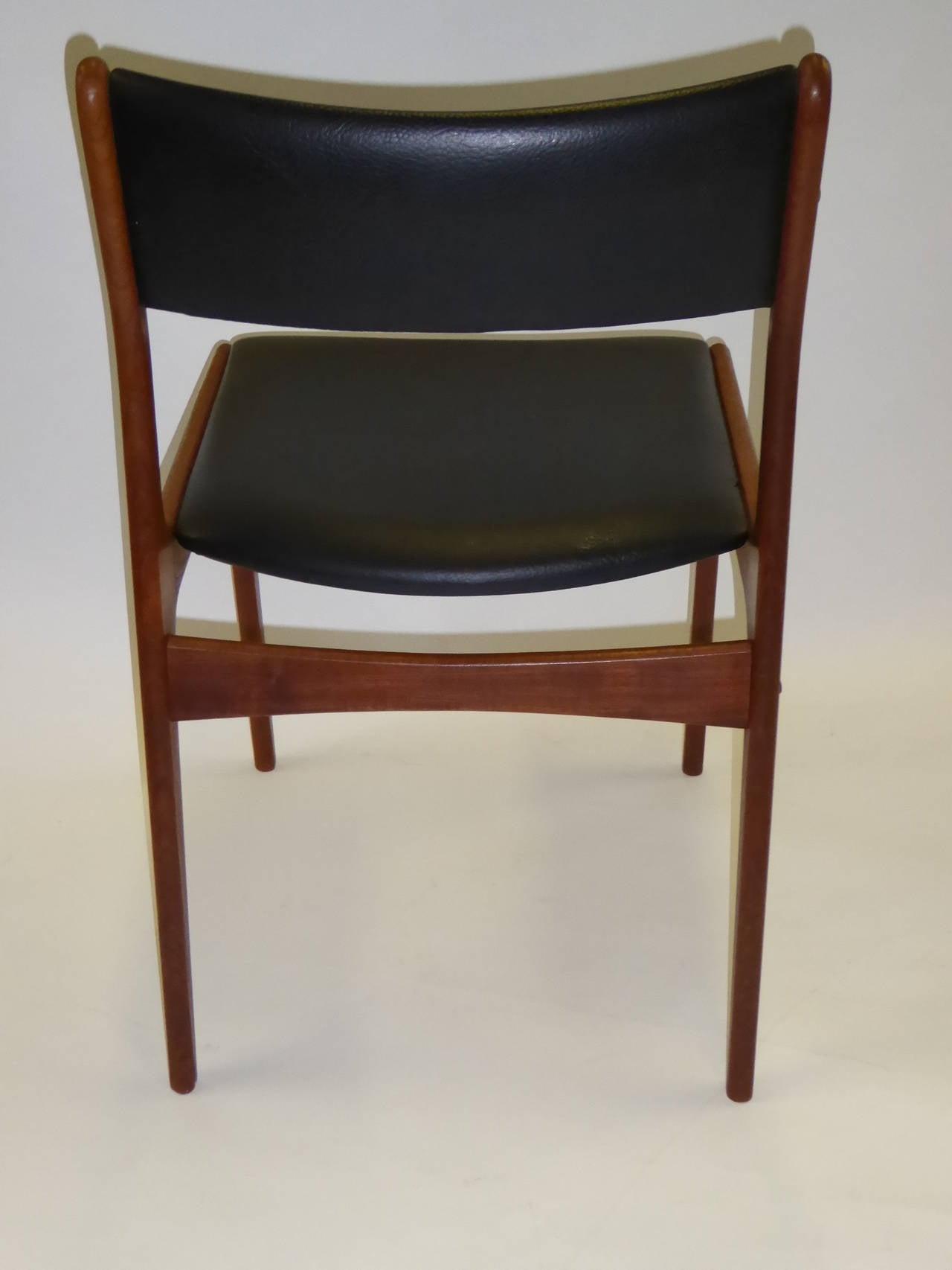 Johannes Andersen for Uldum Mobelfabrik Danish Teak Dining Chairs In Good Condition For Sale In Miami, FL