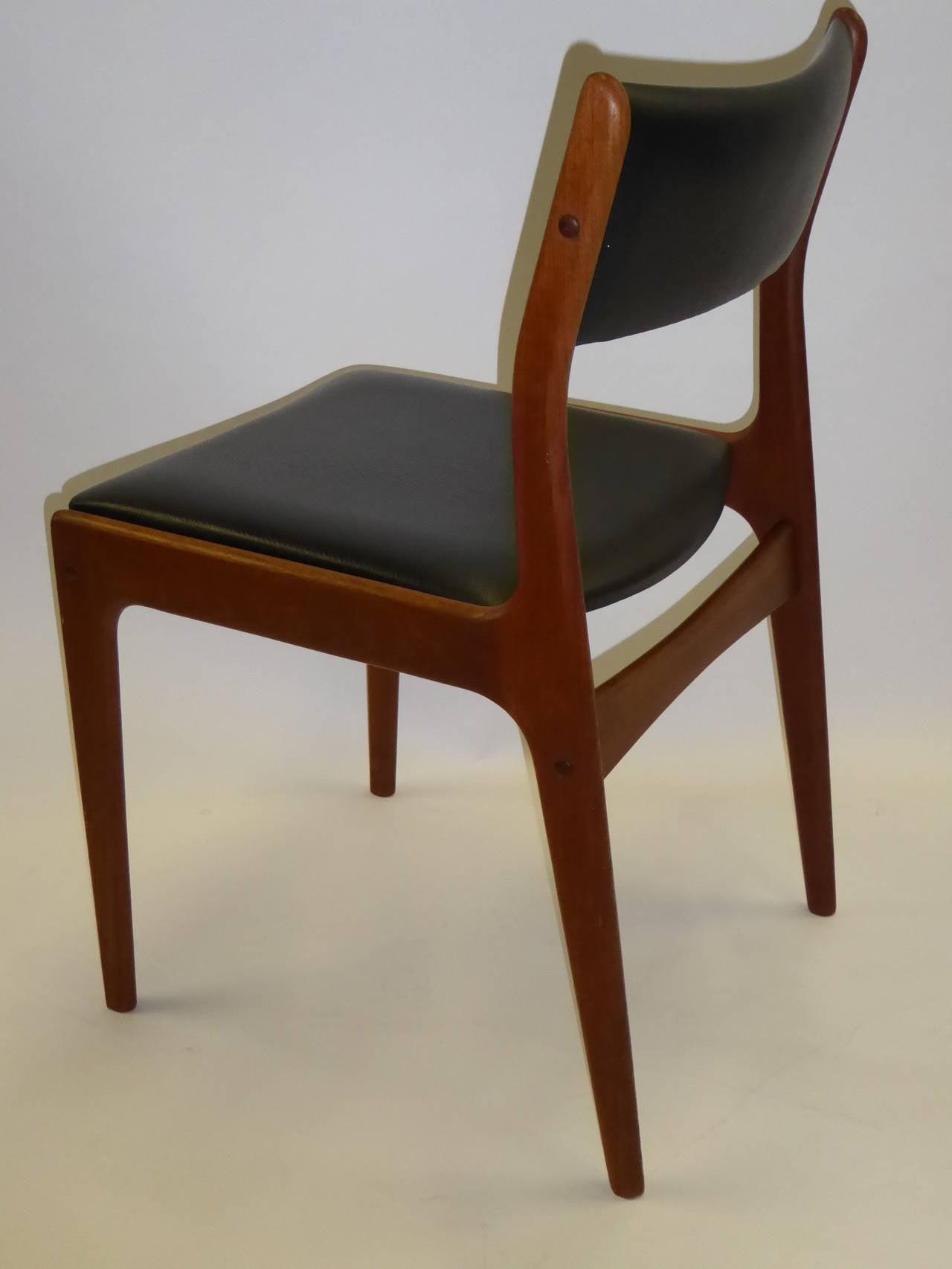 Scandinavian Modern Johannes Andersen for Uldum Mobelfabrik Danish Teak Dining Chairs For Sale