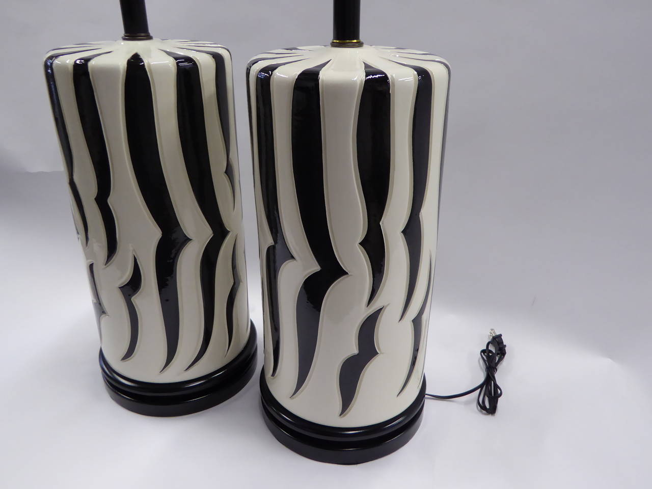 Monumental Tony Duquette Style Zebra Stripe Table Lamps In Excellent Condition For Sale In Miami, FL
