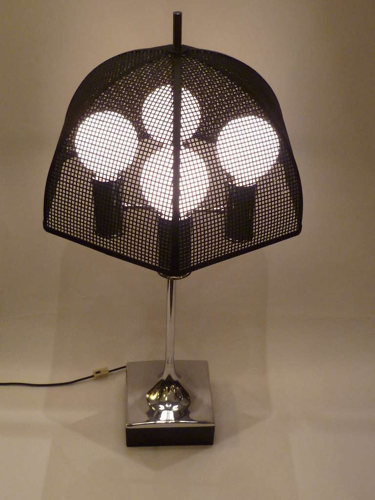 Mid-20th Century Modernist Chrome Bouillotte Style Table Lamp Metal Mesh Umbrella Shade For Sale