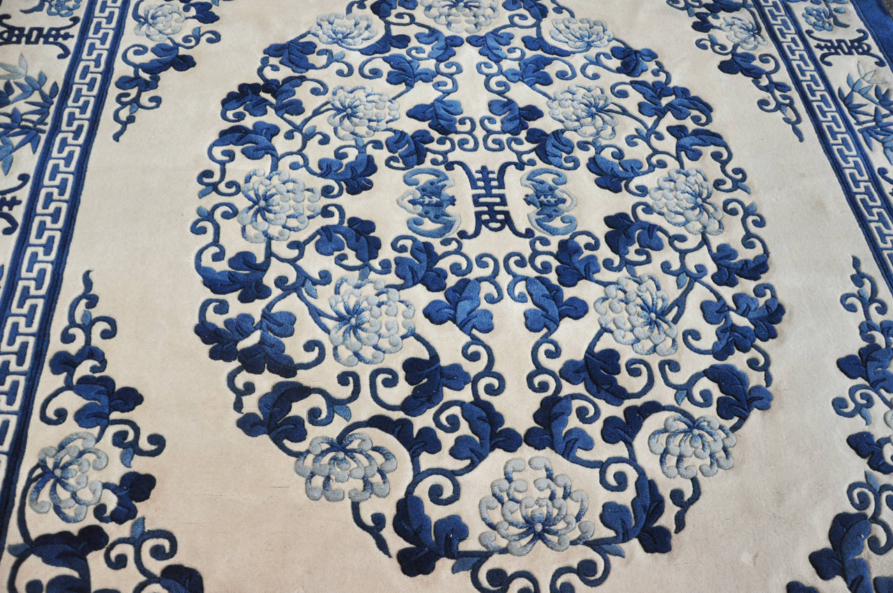 Chinese blue and white rug at 1stdibs for Blue and white carpet