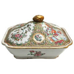 Chinese Canton Porcelain Covered Tureen, Famille Rose, 19th Century