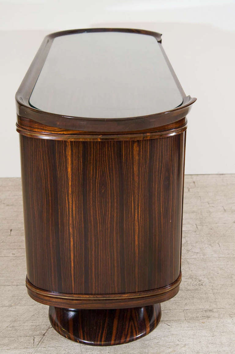 Art Moderne Bar or Serving Cabinet in Macassar Ebony In Good Condition For Sale In New York, NY