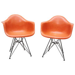 Pair of Early Charles Eames for Herman Miller Fiberglass Lounge Chairs