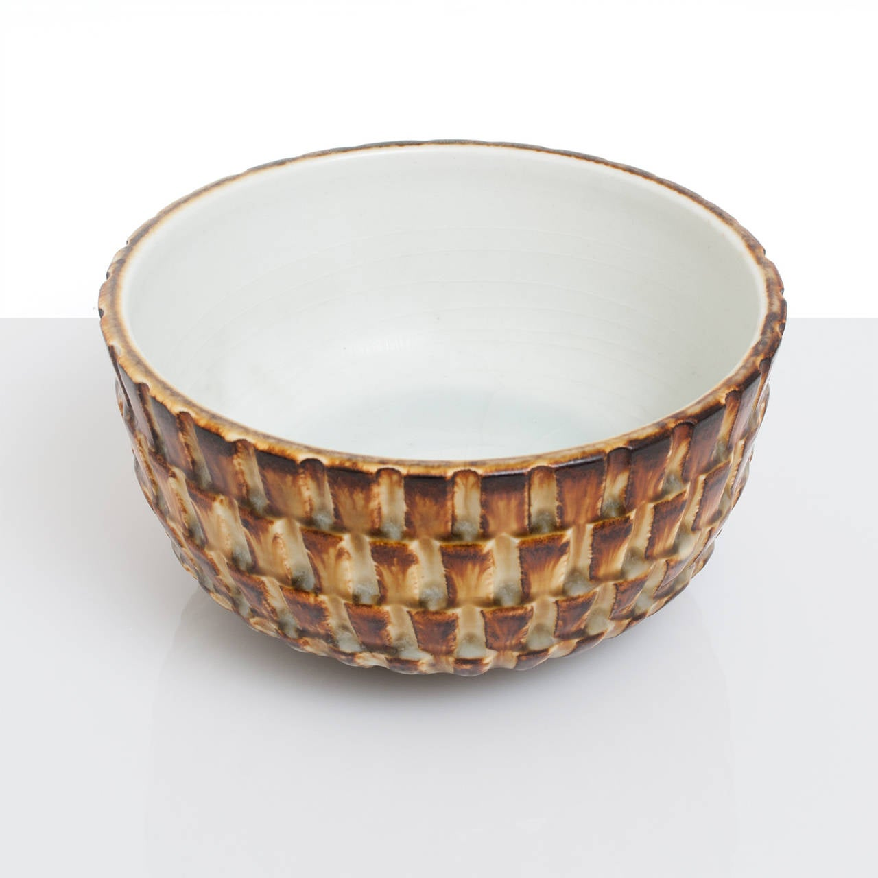Scandinavian Modern Textured Ceramic Bowl by Gertrud Lonegren, Rörstrand In Excellent Condition For Sale In New York, NY