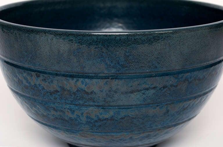 20th Century Large Scandinavian Modern ceramic bowl by Jerk Werkmäster for Nittsjo