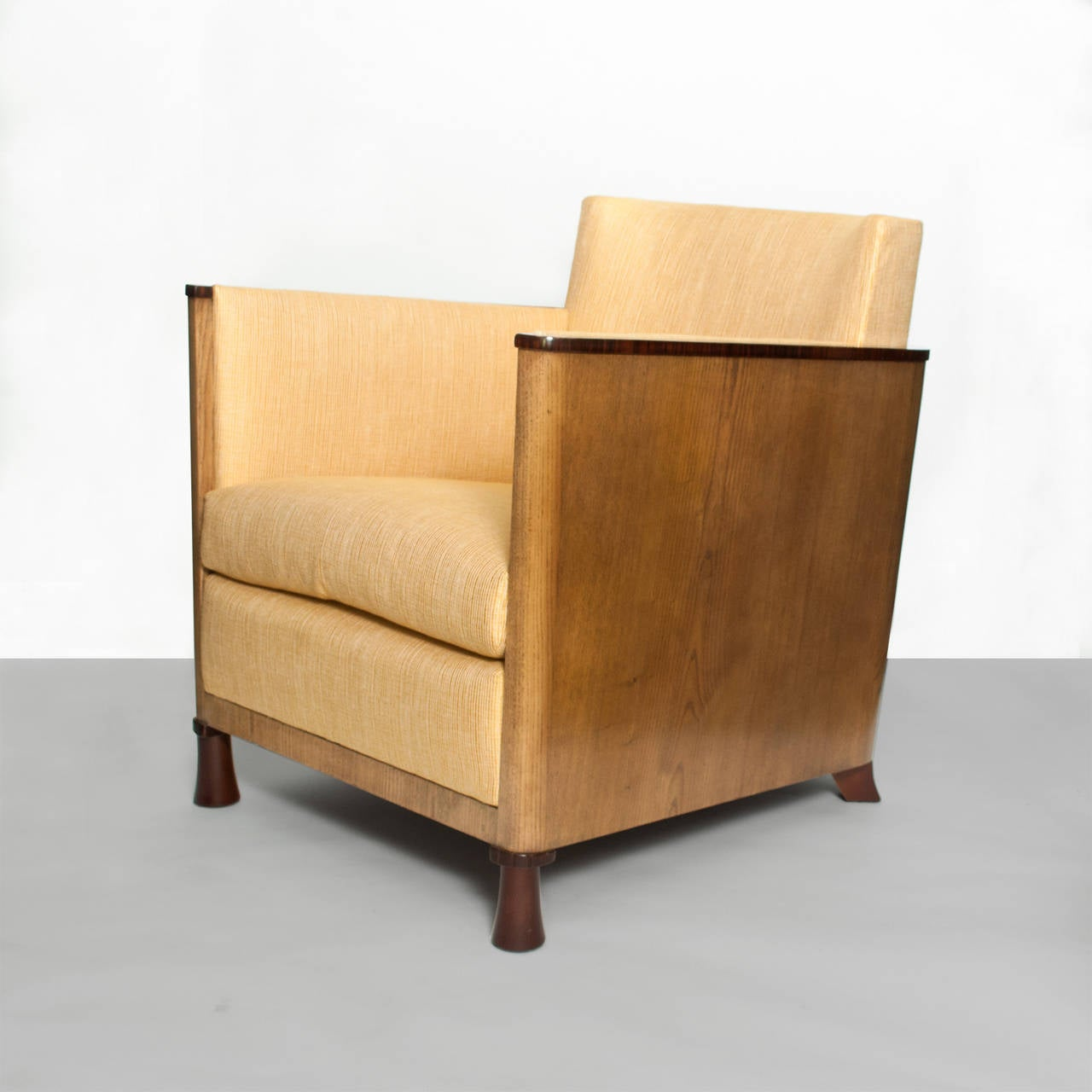 Scandinavian Modern Swedish Art Deco Lounge Chair with Veneered Sides and Back In Excellent Condition For Sale In New York, NY