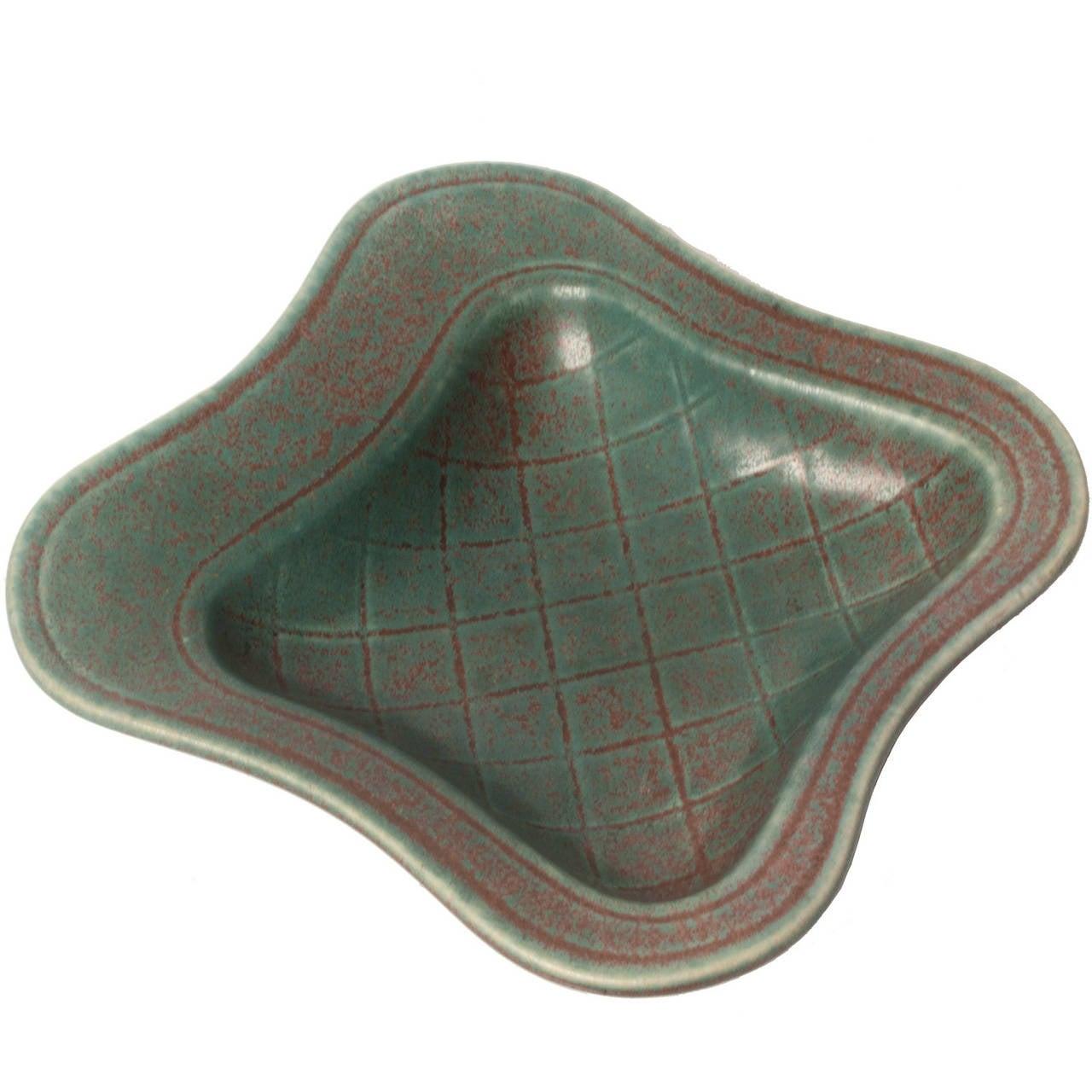 Scandinavian Modern Ceramic Organic Form Bowl by Gunnar Nylund, Rorstrand