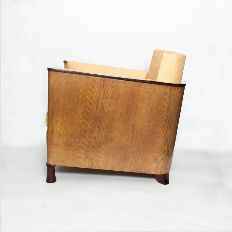 20th Century Scandinavian Modern Swedish Art Deco Lounge Chair with Veneered Sides and Back For Sale