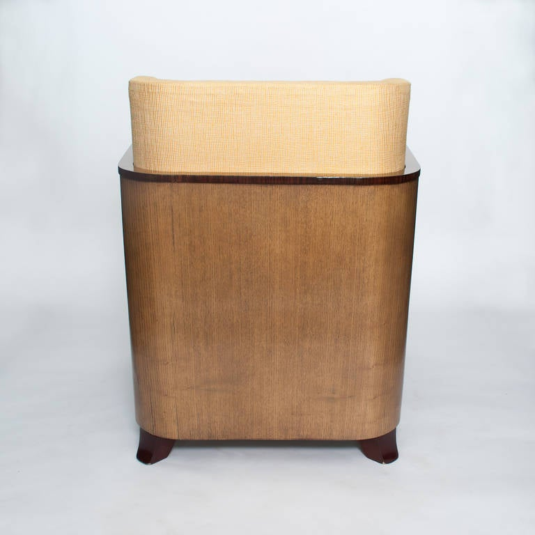 Scandinavian Modern Swedish Art Deco Lounge Chair with Veneered Sides and Back For Sale 1