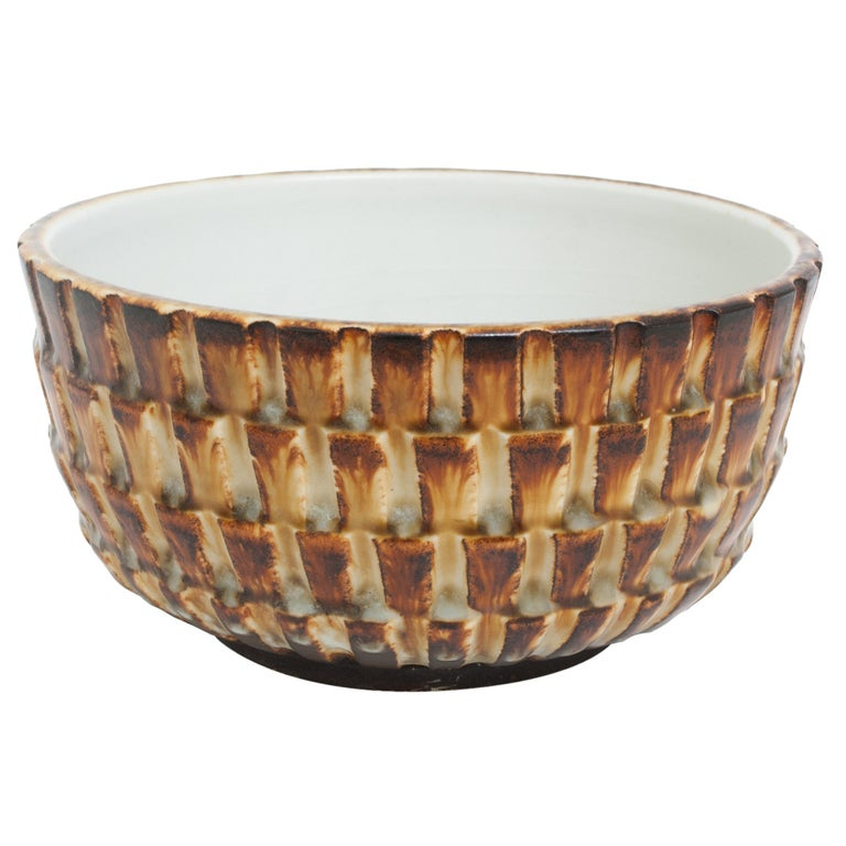 Scandinavian Modern Textured Ceramic Bowl by Gertrud Lonegren, Rörstrand For Sale