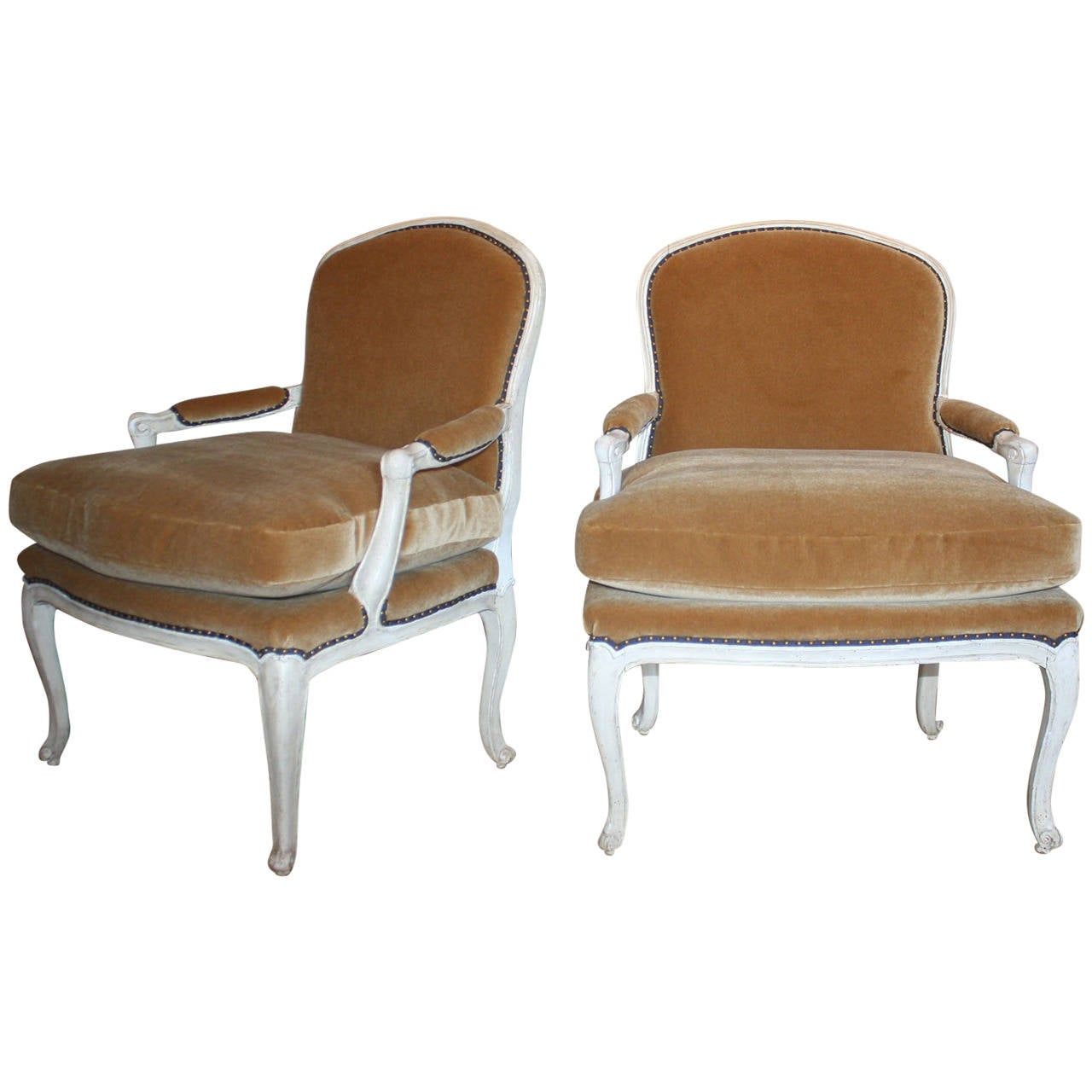 pair of louis xv white painted fauteuils at 1stdibs. Black Bedroom Furniture Sets. Home Design Ideas