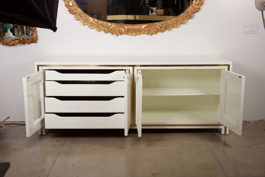 White Lacquer Credenza with Brass Inset by Mastercraft image 3
