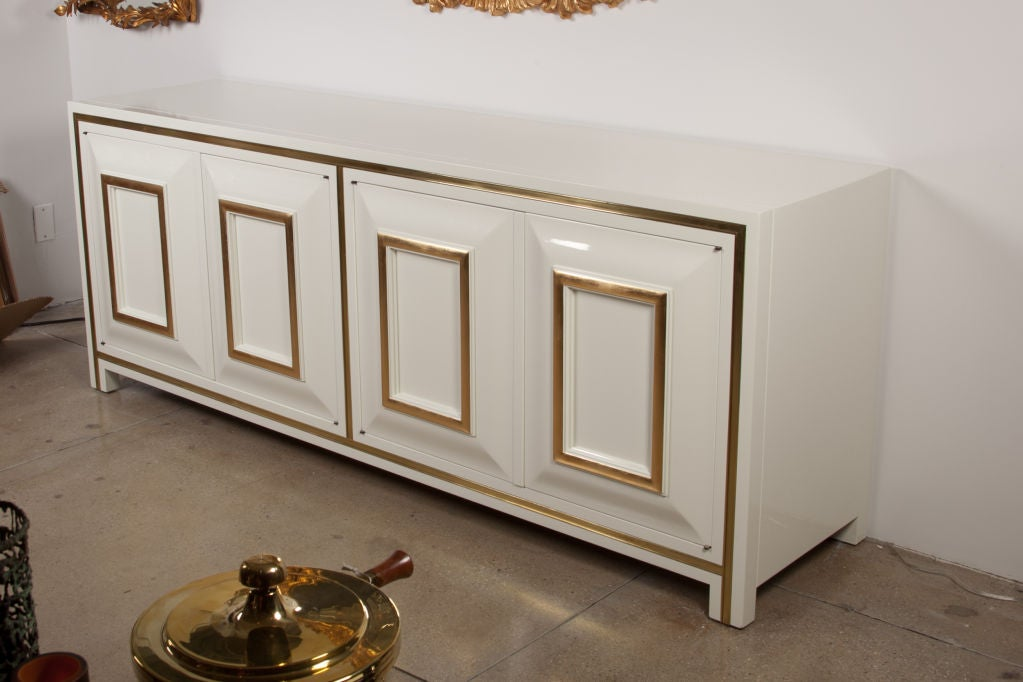 White Lacquer Credenza with Brass Inset by Mastercraft image 4